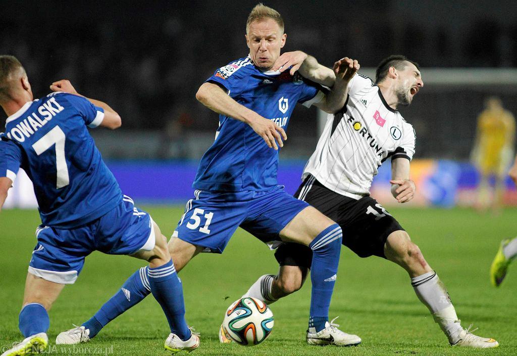 Rafał Grodzicki (w środku) przeciwko Legii Warszawa