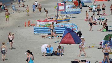 Poszerzona plaża w Międzyzdrojach w pierwszy weekend wakacji 2021