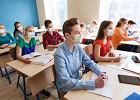 Lekcje w szkołach skrócone do 30 minut? Piontkowski zabrał głos