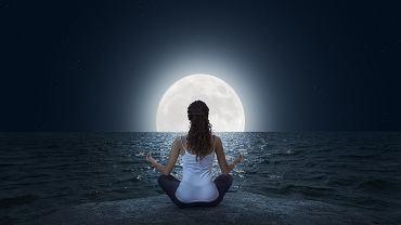 Nów księżyca to idealny czas na energetyczne oczyszczenie i nowy start. 'Zamiast narzekać, zacznij doceniać'