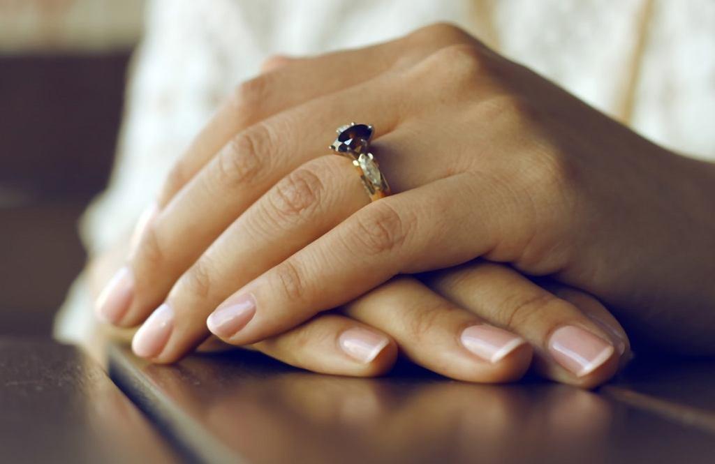 Na jakie choroby paznokci jesteśmy najbardziej narażone? Top 3 uciążliwych chorób paznokci