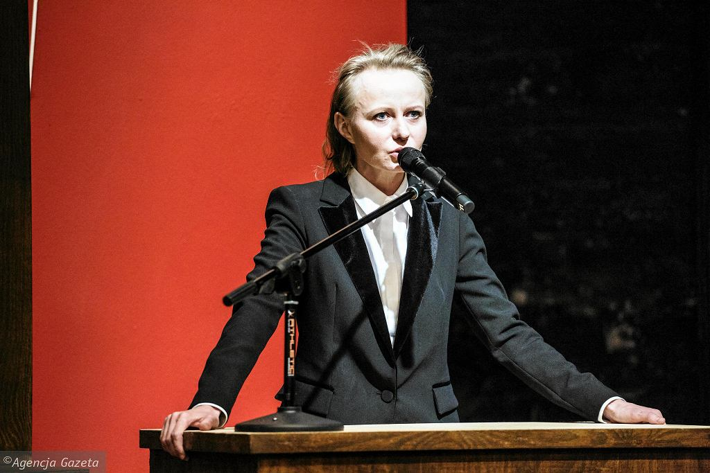 Teatr Powszechny. Aleksandra  Bożek podczas próby medialnej spektaklu Bachantki w reżyserii Mai Kleczewskiej / ADAM STĘPIEŃ