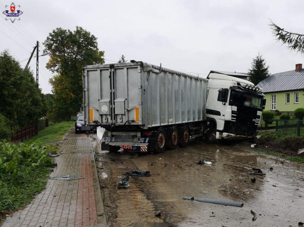 Wypadek w miejscowości Komarów Osada w powiecie zamojskim