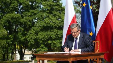 Prezydent Komorowski podpisał i skierował do marszałka Senatu projekt postanowienia o zarządzeniu referendum ws. JOW-ów, finansowania partii i systemu podatkowego