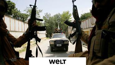 Talibskie bojówki na ulicach zajętego Kabulu, 19 sierpnia 2021
