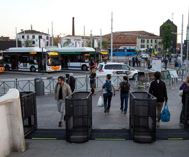 Bramki mają kontrolować napływ turystów do miasta