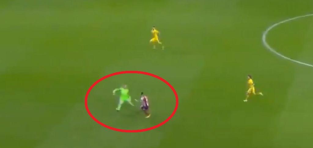 Atletico strzela gola w meczu z Barceloną