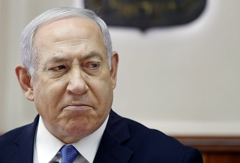 Premier z kłopotami. Netanjahu grożą trzy niezależne oskarżenia prokuratorskie o korupcję