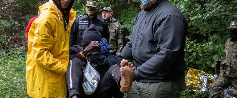 Dramatyczna sytuacja uchodźców. Białorusini zabrali im paszporty