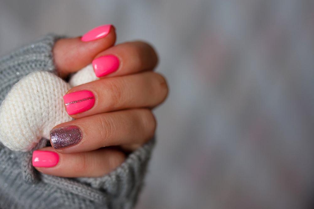 Modne paznokcie na karnawał 2020. Oto najbardziej gorące trendy w manicure