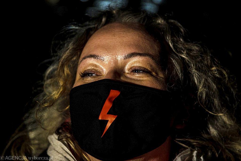 Marta Lempart podczas Strajku Kobiet po decyzji Trybunału Konstytucyjnego w sprawie aborcji
