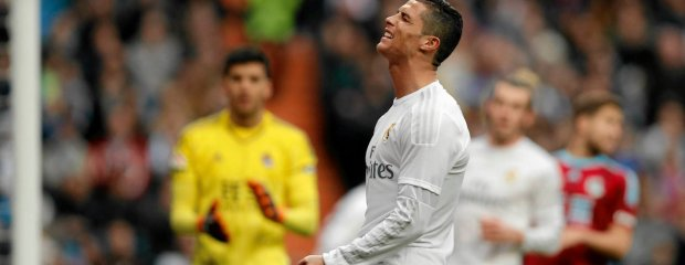 Real Madrid's Cristiano Ronaldo reacts during a La Liga soccer match between Real Madrid and Real Sociedad at the Santiago Bernabeu stadium in Madrid, Spain, Wednesday, Dec. 30, 2015. (AP Photo/Daniel Ochoa de Olza) SLOWA KLUCZOWE: XLALIGAX