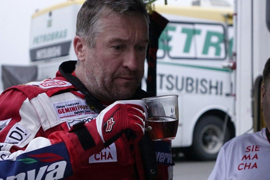 Rafał Sonik przed startem odcinka specjalnego