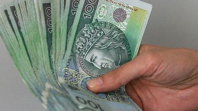 Pensje w firmach rosną szybciej od prognoz. GUS: przeciętna płaca to 5182 zł brutto