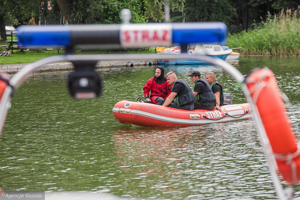 Akcja poszukiwawcza na Jeziorze Wąsoskim po utonięciu dwóch nastolatków