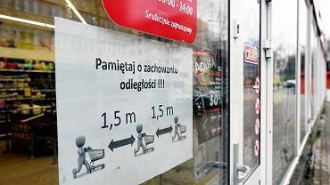Koronawirus. Sklep w Olsztynie