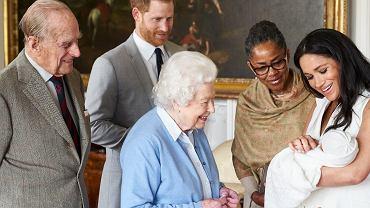 Archie i rodzina królewska
