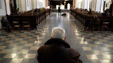 Msza w Warszawie podczas epidemii koronawirusa