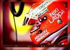 Kierowcy F1 upamiętniają Nikiego Laudę. Nazwisko mistrza pojawiło się na bolidach i kaskach
