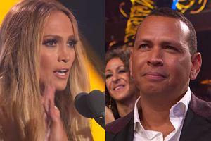 Jennifer Lopez przemawiała, a jej chłopak próbował się nie popłakać. Mama J.Lo za to szalała przy scenie