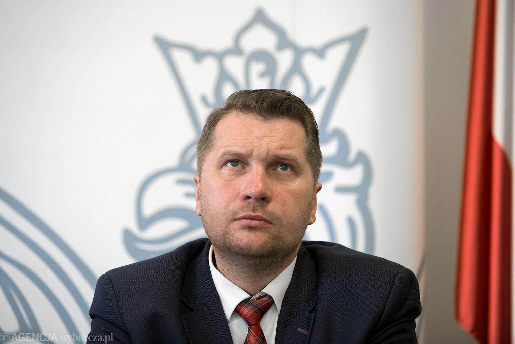 Minister Czarnek chce zmian w sprawie religii w szkołach