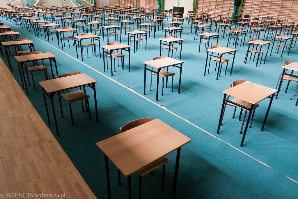 Egzamin ósmoklasisty 2020 (zdjęcie ilustracyjne)