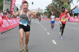 Trener w ostrych słowach o biegaczach: większość biegających jest poj...