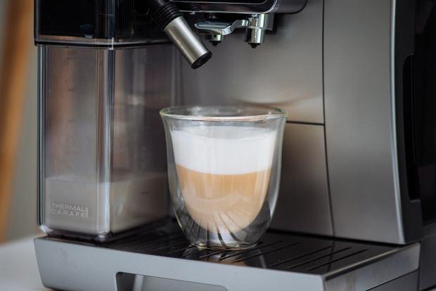 Cappuccino z ekspresu De'Longhi
