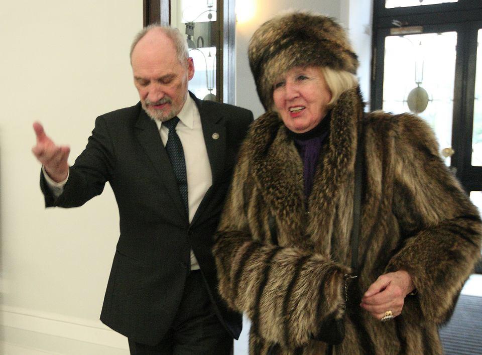 Ingrid Detter de Frankopan z Antonim Macierewiczem w 2013 r.