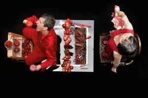 Austriacki duet Honey & Bunny jedzeniem się bawi i z nim eksperymentuje