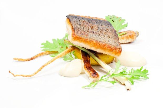Filet dzikiego łososia wiślanego z polentą. Cisowianka. Gotujmy zdrowo - mniej soli