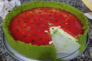 Ciasto arbuz na bazie szpinaku. Genialny deser, który zaskoczy twoich gości [PRZEPIS]