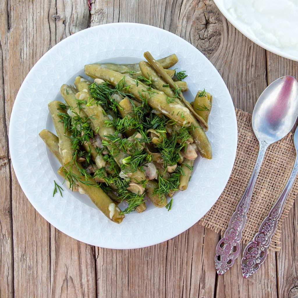 Bób i fasolka szparagowa z ziołami i cytryną