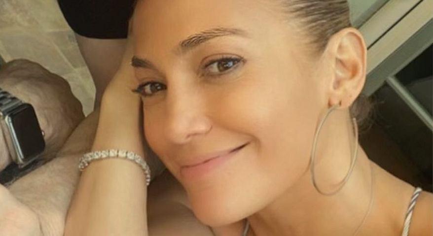Jennifer Lopez pokazała, jak wygląda w naturalnych włosach. Co za efekt! (zdjęcie ilustracyjne)