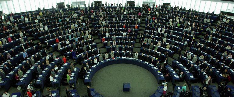 Rumunia odrzuca krytykę UE. ?Nie stoimy w jednym szeregu z Polską i Węgrami?