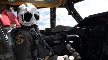 Specjalna maska pilota bombowca strategicznego