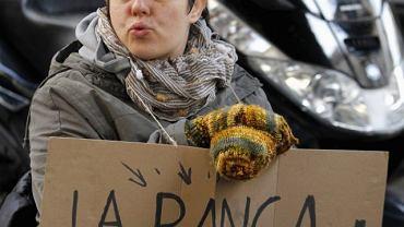 Walencja, 23 grudnia. ''Banki rabują'' - protest stowarzyszenia kredytobiorców, którym odebrano zadłużone mieszkania