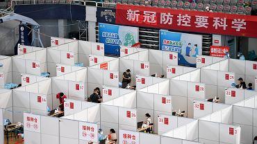 Chiny. Punkt szczepień w prowincji Jiangsu