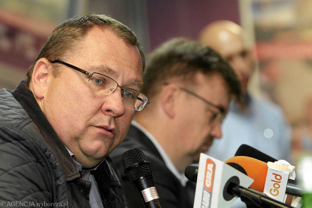 Przemysław Termiński; w tle Jacek Gajewski