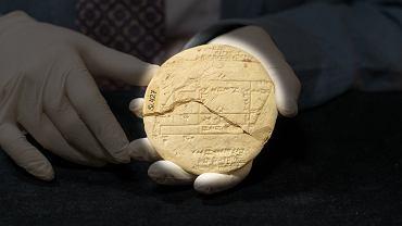 Starożytna tabliczka i przełomowe odkrycie. Geometrię znali tysiąc lat przed Pitagorasem