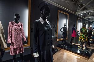 """""""Christian Dior i ikony paryskiej mody"""". Stroje z niezwykłej kolekcji Adama Lei można oglądać na wystawie w Łodzi"""