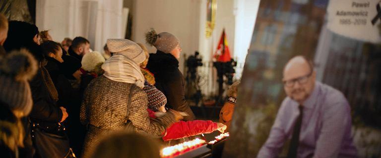 Pieniądze z tacy z pogrzebu Adamowicza trafią do rodzin w Aleppo