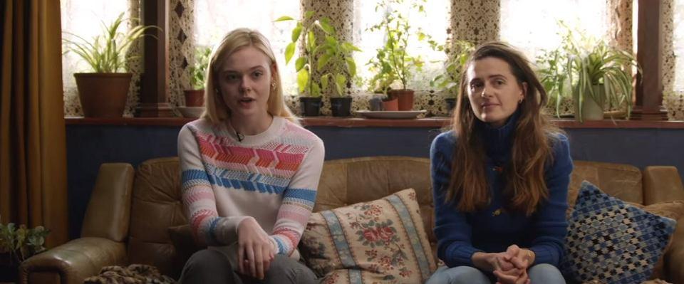 Elle Fanning i Agnieszka Grochowska w 'Teen Spirit'