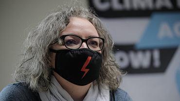 Marta Lempart z Ogólnopolskiego Strajku Kobiet podczas konferencji prasowej. Warszawa, 4 grudnia 2020