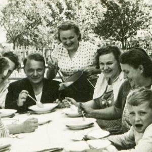 Savoir-vivre na obiadku z rodziną dziewczyny