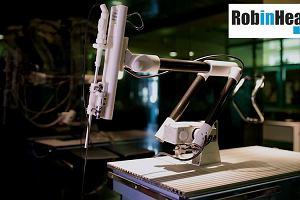 Fundacja Rozwoju Kardiochirurgii sprzedała licencję na robota