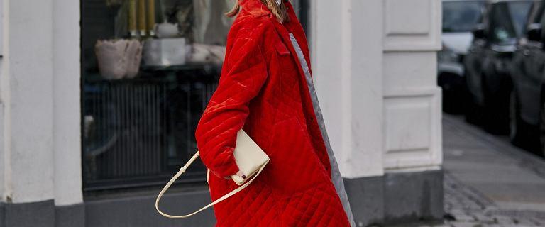 Wyprzedaż pikowanych płaszczy na jesień i zimę! Te kultowe modele są niezwykle ciepłe i ponadczasowe