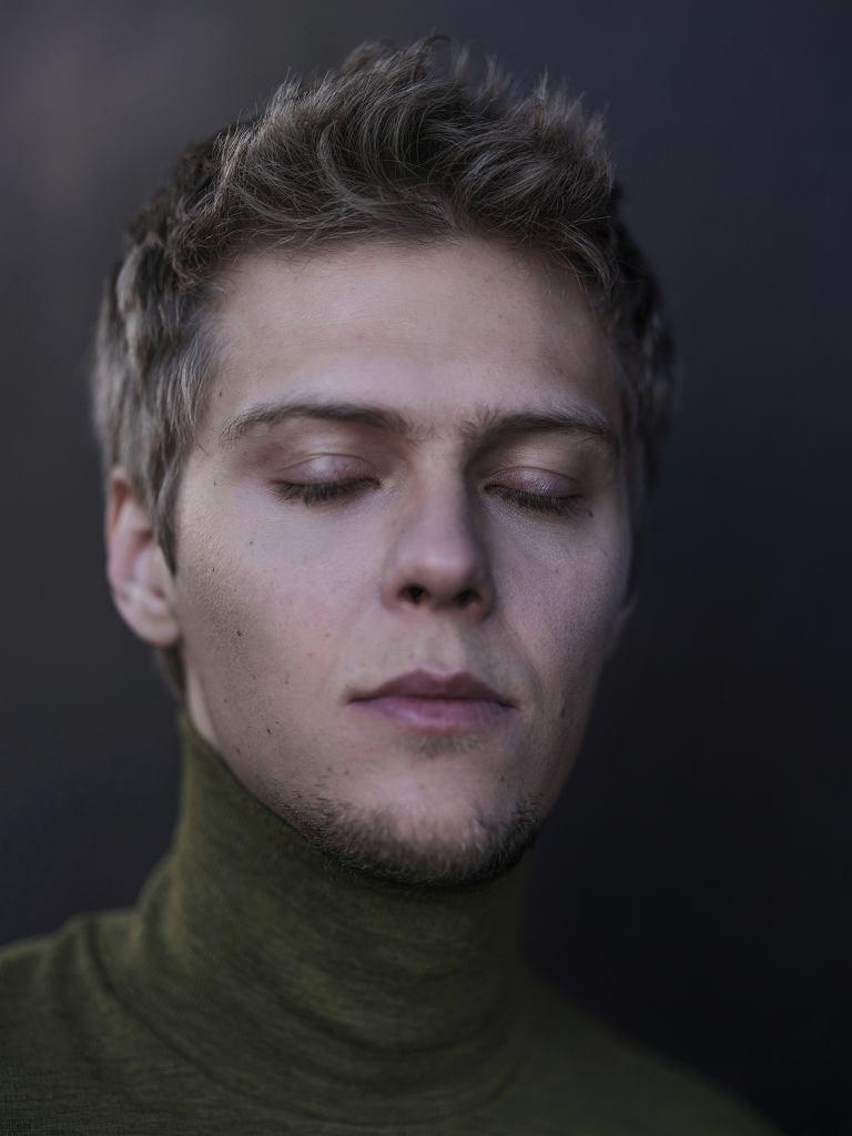 Jakub Gierszał - sesja dla 'Logo'