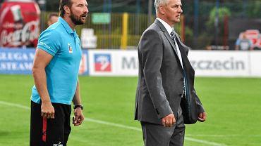Maciej Stolarczyk (drugi trener) i Dariusz Wdowczyk taktycznie dobrze przygotowali Pogoń na Wisłę
