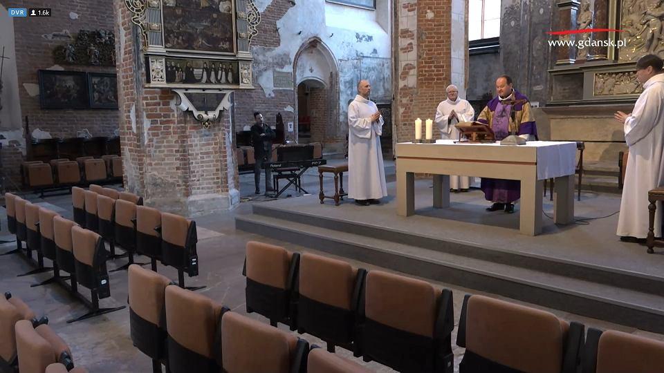 Koronawirus. Transmisja z kościoła św. Jana w Gdańsku